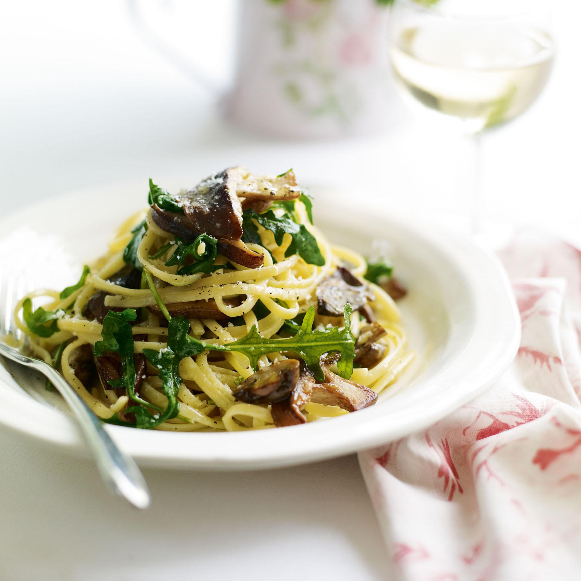 Mushroom, rocket and Parmesan linguine recipe