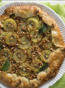 Crostata with Zespri SunGold Kiwifruit and nuts recipe