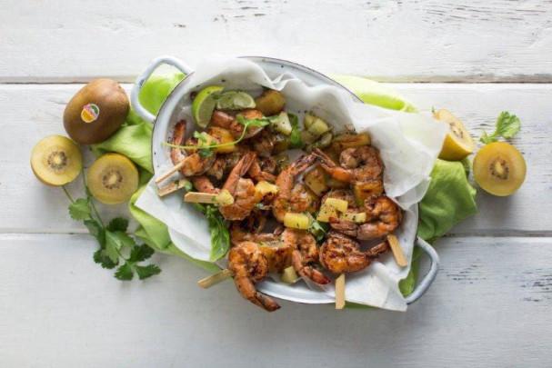 Braaied prawn and SunGold Kiwi kebabs recipe