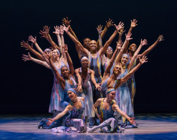 Night Creature Choreography: Alvin Ailey Alvin Ailey American Dance Theater Credit Photo: Paul Kolnik studio@paulkolnik.com nyc 212-362-7778