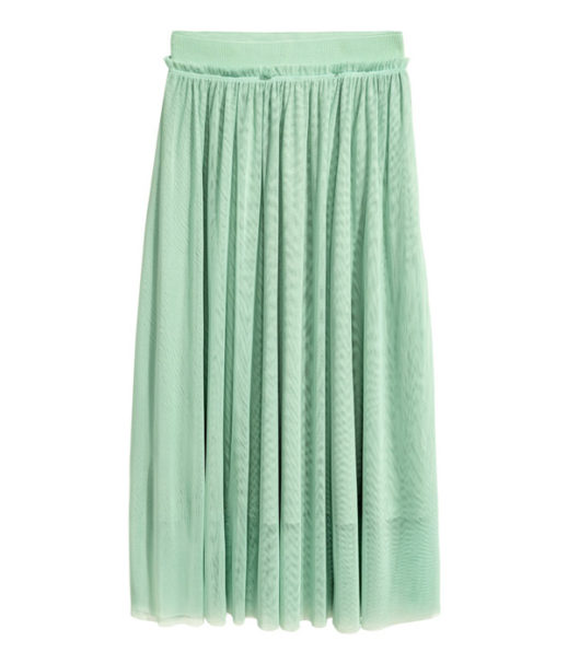 Styling tricks to hide a tummy: tule skirt