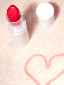 4 ways to make your lipstick last longer