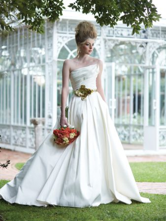 Dresses_Pronovias Metallic accessory