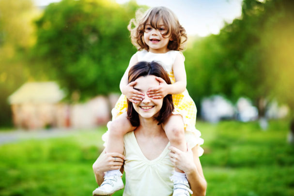 mom-and-daughter