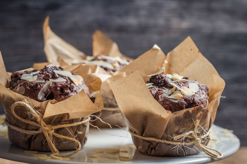 chocolate-almond-muffins