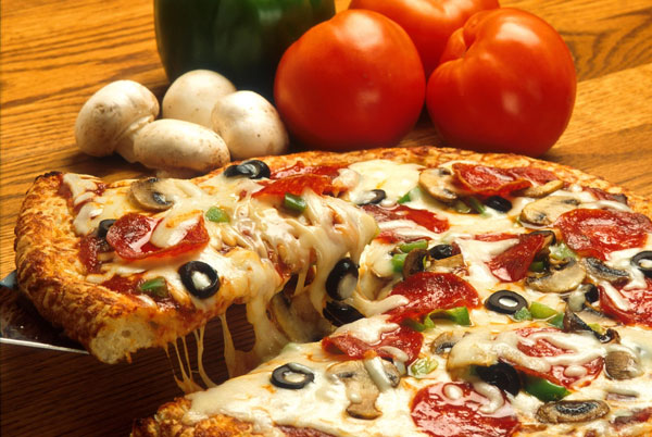 stress-eating-pizza