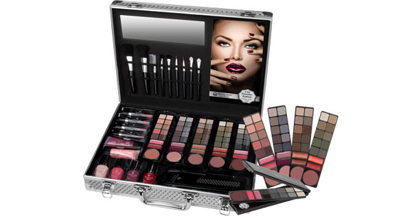 clicks-vip-traveller-make-up-set