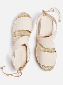 The 10 Best Pairs Of Summer Sandals