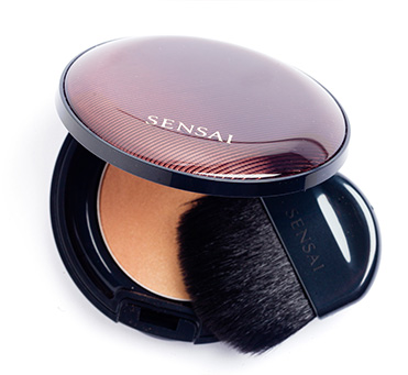 Best makeup products for your 30s: Sensai-by-Kanebo-Designing-Duo-Bronzing-Powder,-R655.