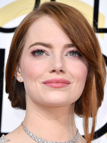Sheet masks: Emma Stone at the Golden Globes