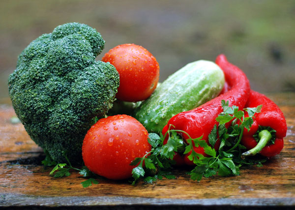 bright vegetables should be added to your menopause-friendly diet