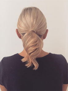 A how to do a ponytail for short hair