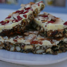 Siba's Goji Berry Granola Bars Recipe