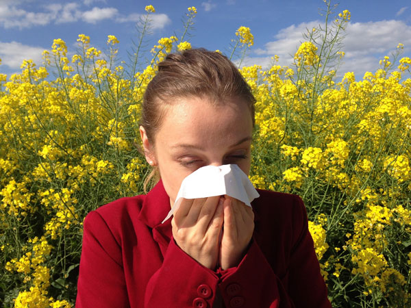 how to treat symptoms of allergies in spring