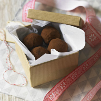 Edible gifts: rum and raisin truffles