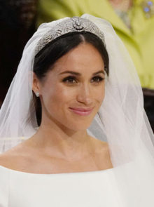 Recreate Meghan's R156 000 Royal Wedding Look For Under R1 000