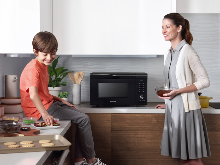Win A Samsung Convection Microwave Oven, Valued At R5990!