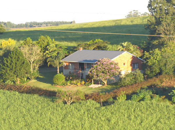 farm stays avocado cottage