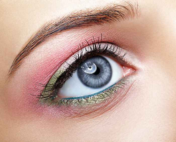 How To Wear The Season's Hottest Make-Up Trend: Green Eyeshadow