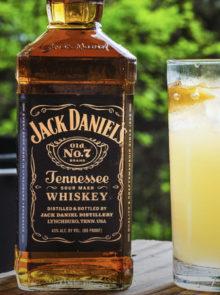 Jack Daniel's Lynchburg Lemonade Summer Cocktail