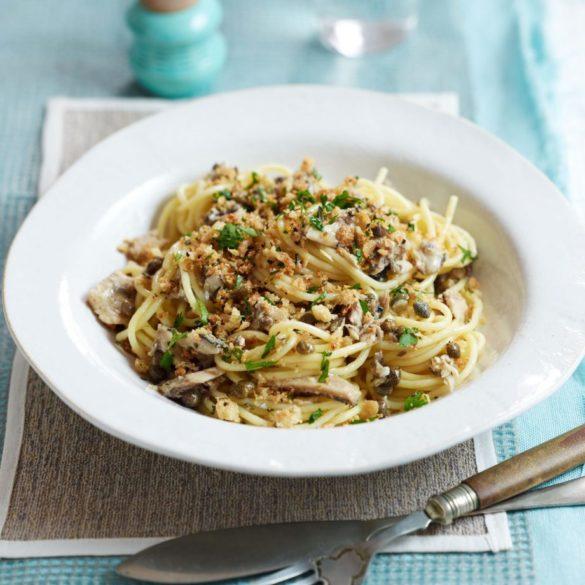 Sardine spaghetti with lemon and black pepper crumb