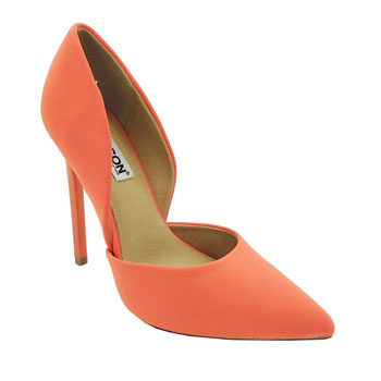Emilia Fox bright shoes look