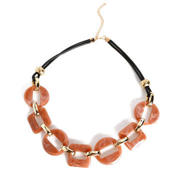 tortoise shell fashion trend necklace