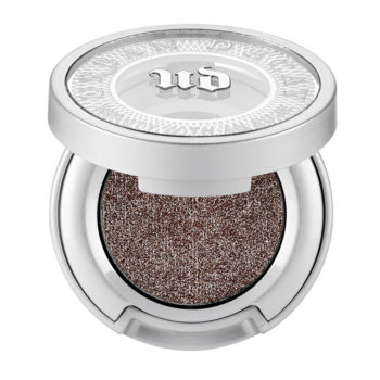 finely milled taupe eye shadow for natural luminous makeup