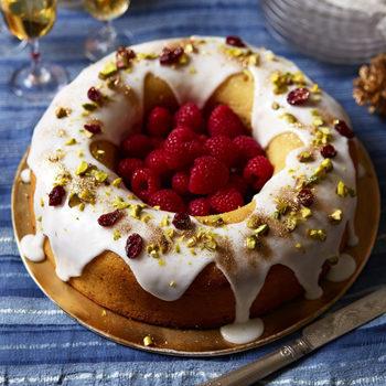 Lemon Drizzle Wreath Cake