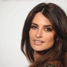 The 10-Minute Anti-Ageing Trick Penelope Cruz Has Mastered